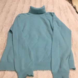 Light blue cashmere turtleneck
